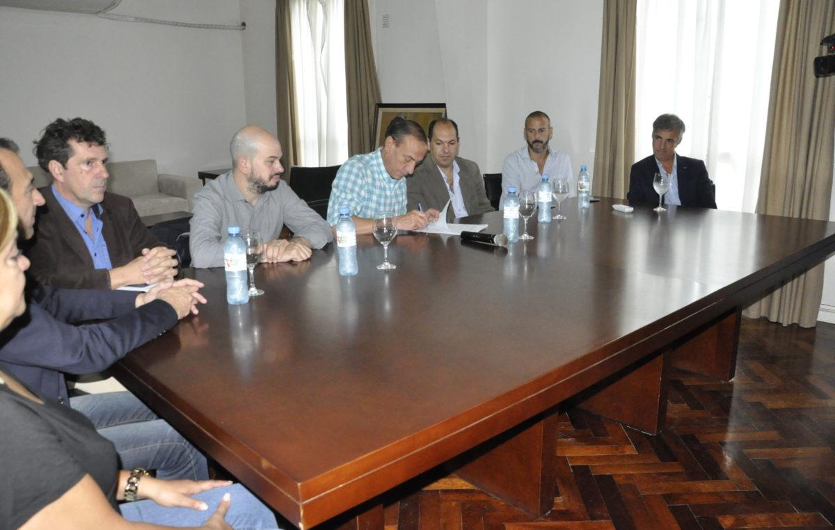 Cañuelas firmó acuerdos con la Universidad Arturo Jauretche y la Universidad Nacional de Lomas de Zamora