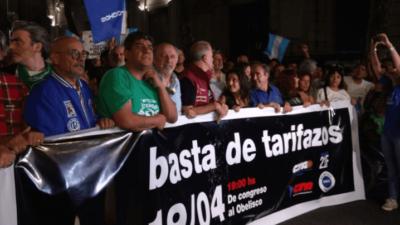 """Marcha contra los tarifazos a Congreso: """"El miércoles volvemos"""""""