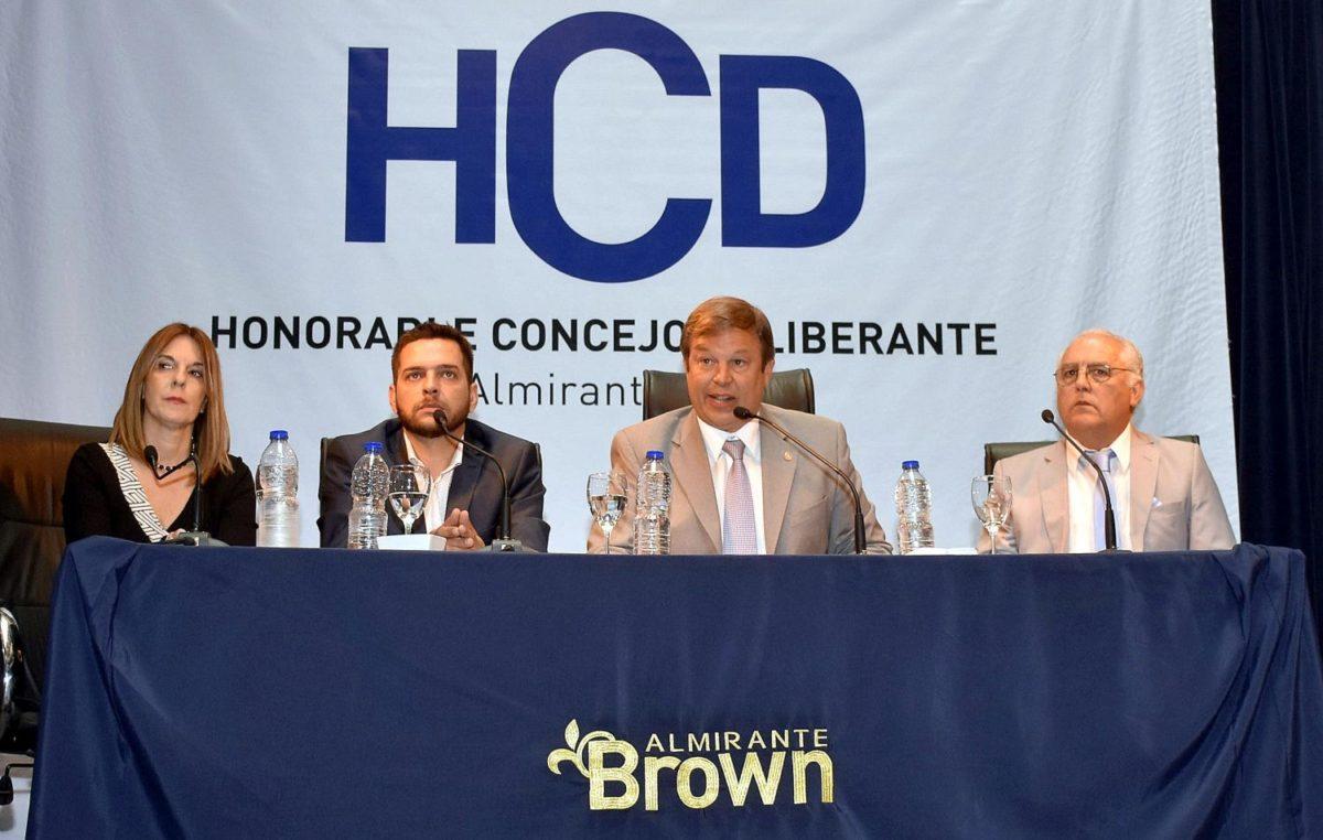 """Alte Brown / Cascallares enumeró los avances en los 27 meses de gestión """"acercamos el municipio al vecino"""""""