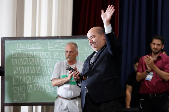 La Universidad de La Plata eligió a su nuevo presidente y cada facultad a su decano