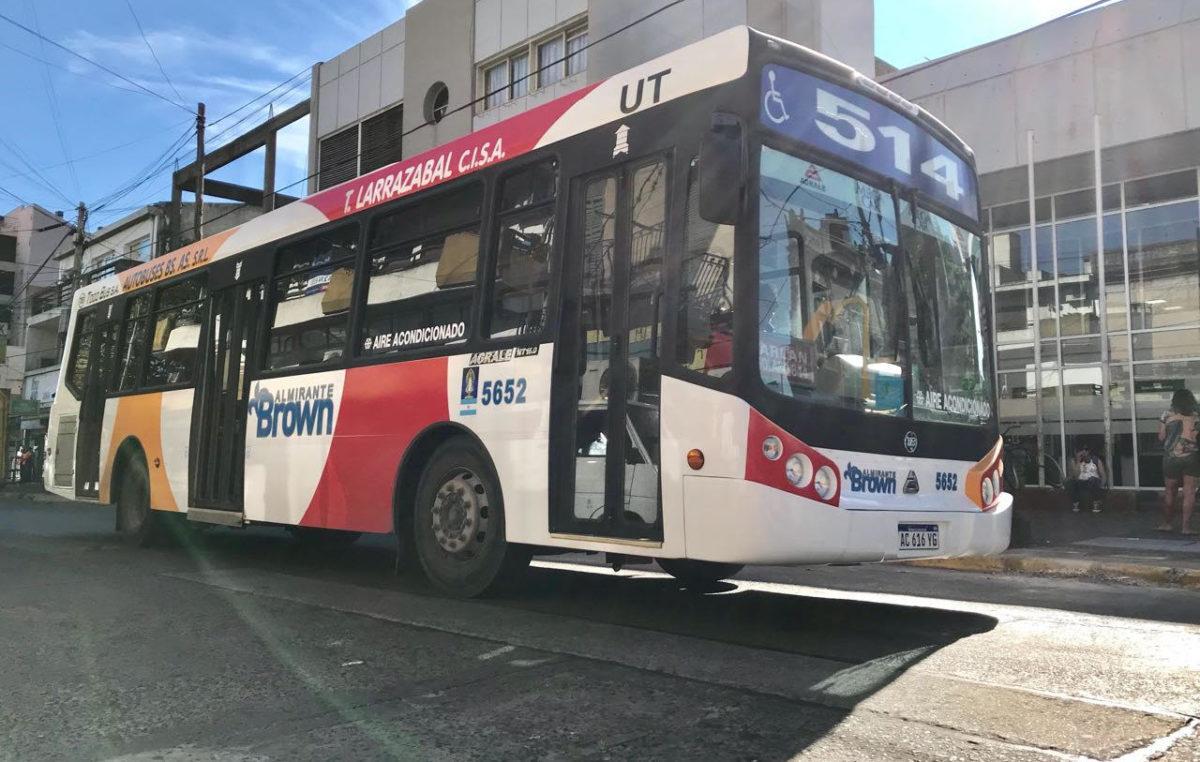 """Almirante Brown / Cascallares anunció 170 micros nuevos: """"Buscamos mejorar el transporte local"""""""