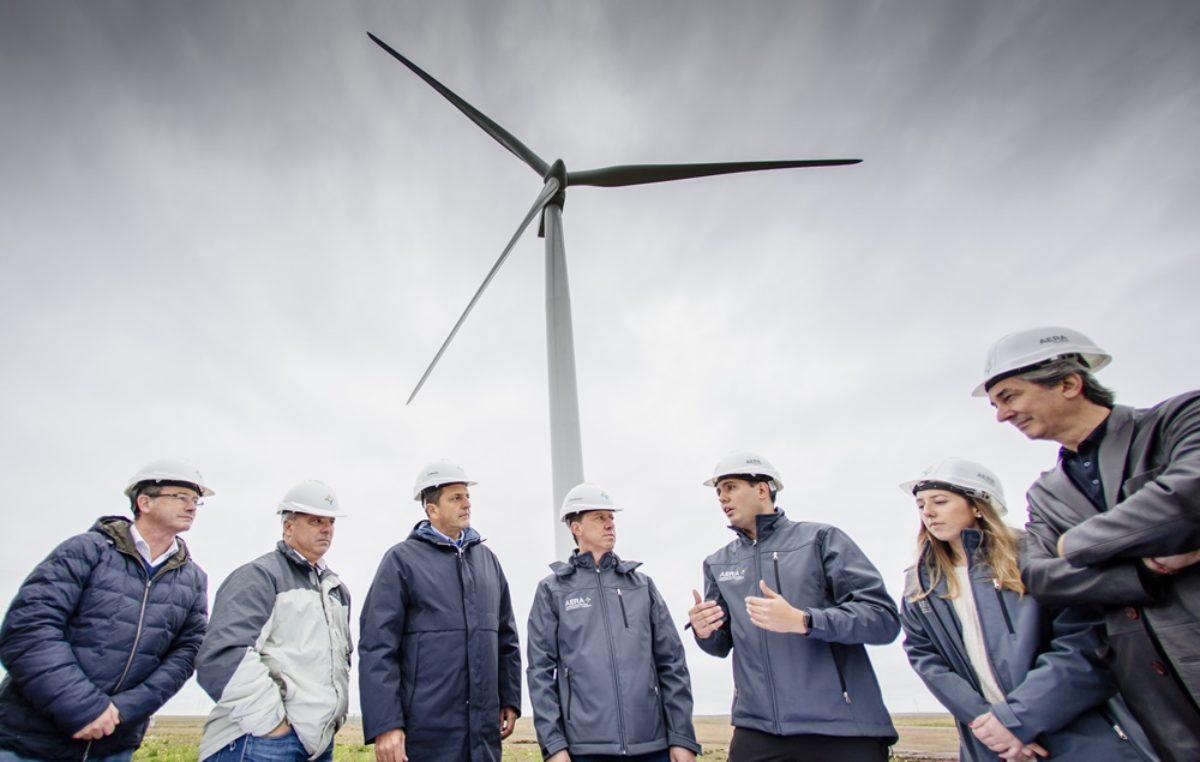 Massa visitó uno de los mayores parques eólicos del país ubicado en Villarino