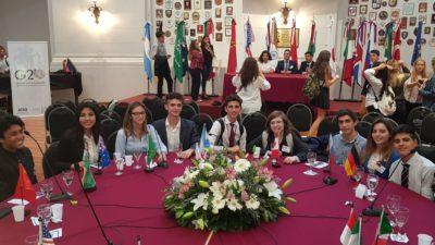 "Estudiantes de General Rodríguez se hicieron presentes en la Cumbre Provincial ""G20 estudiantil"""