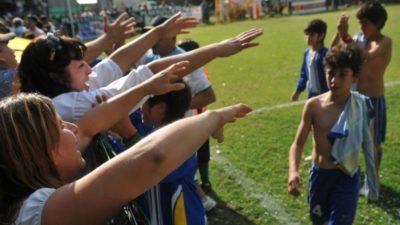 """""""No me avergüences"""": El fútbol infantil de Mercedes pondrá carteles para concientizar a los padres"""