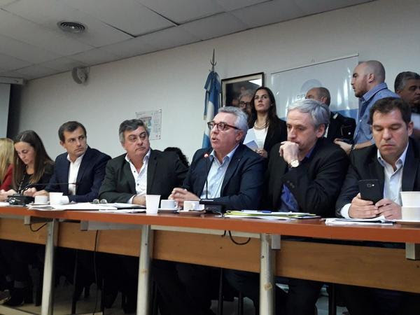 """El intendente de Tigre, crítico con el gobierno: """"Muchos jubilados y trabajadores deben elegir entre comer o pagar las tarifas"""""""