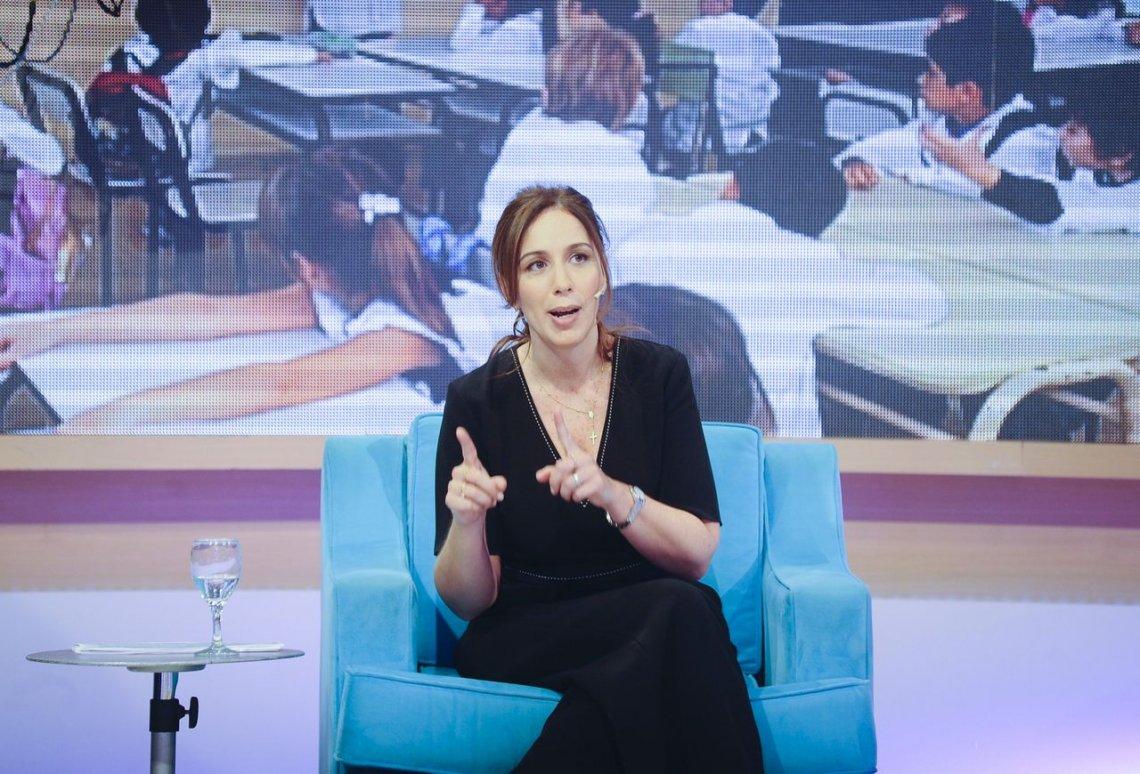 Vidal entregará 8 mil teléfonos en 2 mil escuelas de la provincia