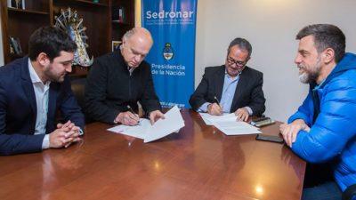 Lanus / Grindetti firmó un convenio marco con el sedronar