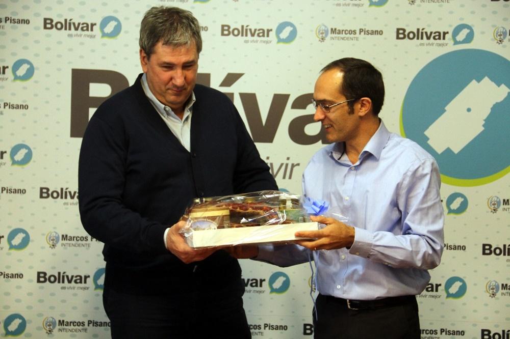 Bolívar / Pisano destacó la entrega de más de 1.300 escrituras en 6 años