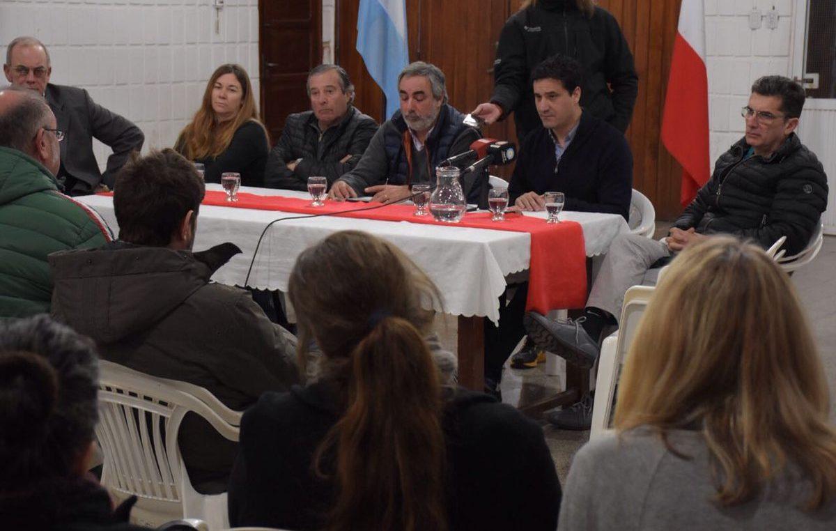 Vidal mandó al presidente del bloque de diputados a contener a los intendentes de la cuarta