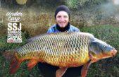"""Pioneros del """"carpfishing"""" en Argentina pescan carpas gigantes en el Arroyo Tapalqué"""