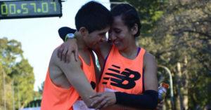 Una pareja de Olavarría debutó en los 42K y ganó la maratón de Rosario