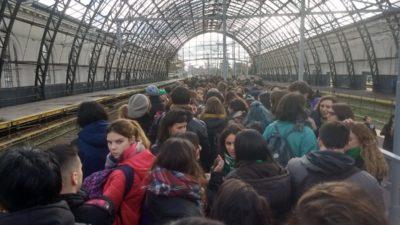"""""""Trenazo verde"""": Miles de mujeres viajan al Congreso para apoyar la legalización del aborto"""