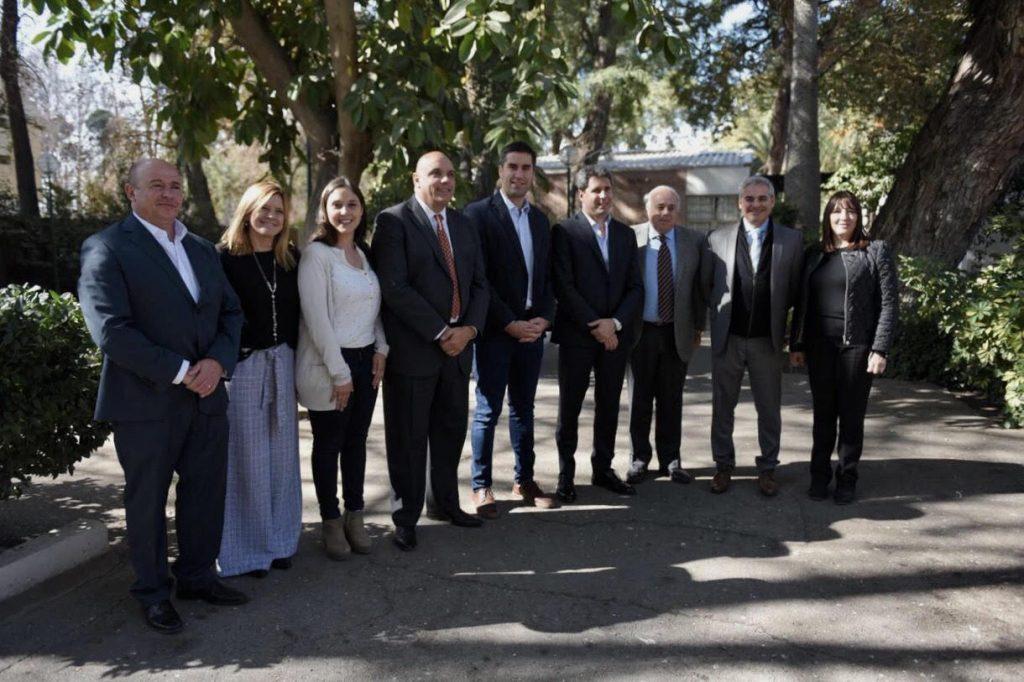 Foto2 - Legisladores bonaerenses junto a Gob. y Vicegob. de San Juan