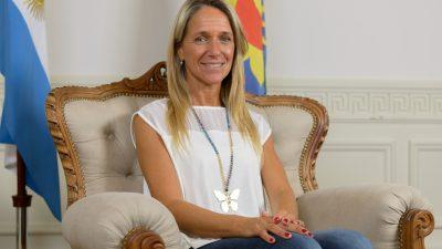 """La hermana de los Mellizos Barros Schelotto presentó un proyecto para """"regular"""" las pensiones del fútbol infantil en la provincia"""