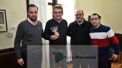 """¡Muy llamativo! Un intendente de Cambiemos recibió en su despacho al """"chivo"""" Rossi y se alerta una posible ruptura"""