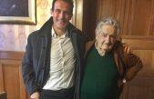 """Guillermo Chaves junto al Grupo Callao visitaron al Pepe Mujica quien está """"muy preocupado"""" por la situación social en Argentina"""