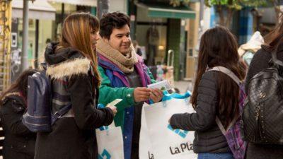 En La Plata comenzó a regir la prohibición del uso de bolsas plásticas