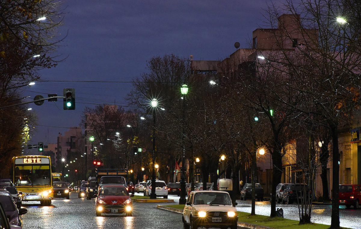 La Plata / El Concejo Deliberante autorizó la compra de 14 mil luminarias LED vía leasing