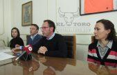 Torchio aumenta a los municipales un 23,55% y se diferencia de las políticas salariales de Vidal