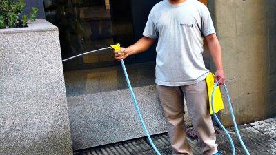 Olavarría / Por el frío piden no lavar las veredas para evitar los resbalones en la escarcha