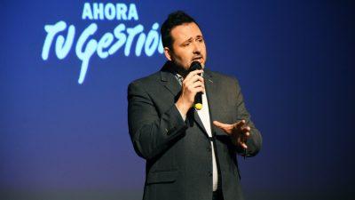 Chacabuco: Con estilo macrista, Aiola realizó una reunión de gabinete ampliado en un teatro
