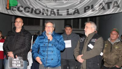 """Acto en defensa de Canal 2 La Plata: """"Los medios de comunicación brindan un servicio en la comunidad donde residen"""", dijeron desde SATSAID"""