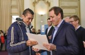 La Plata / Garro entregó escrituras a más de 400 familias de la ciudad