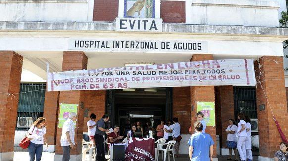 """Se cayó un ascensor en el Hospital Evita de Lanús: """"Estamos llegando al borde del colapso"""""""