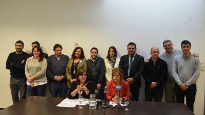 Desde la oposición piden la renuncia del Director General de Cultura y Educación de la provincia, Gabriel Sánchez Zinny