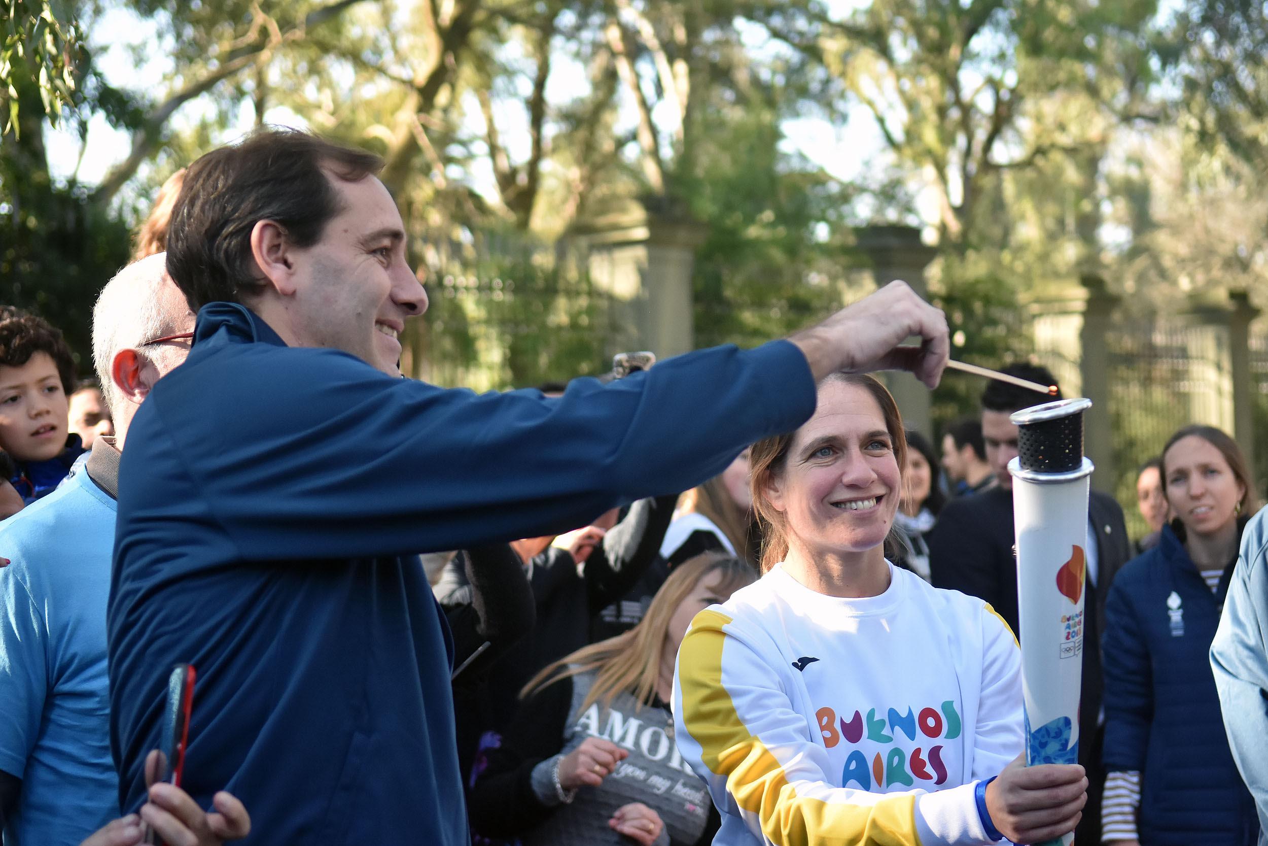 La Plata / Jornada histórica y fiesta en Plaza Moreno para recibir la Antorcha Olímpica