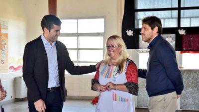 """De recorrida por la escuela """"Fuentealba"""", diputados de Cambiemos propusieron prohibir los paros docentes"""