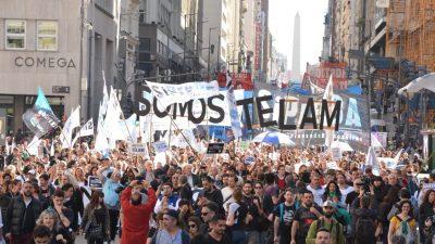 Nuevo revés de la Justicia para Lombardi y una multitudinaria marcha contra los despidos en Télam