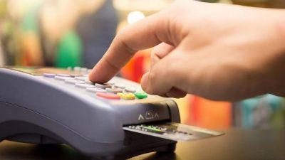 """Por el """"Día del Maestro"""", los docentes podrán comprar ropa al 50% con tarjetas del Banco Provincia"""