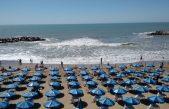 """Erosión costera: Científicos del CONICET advierten una """"pérdida de arena generalizada en casi todas las playas"""""""