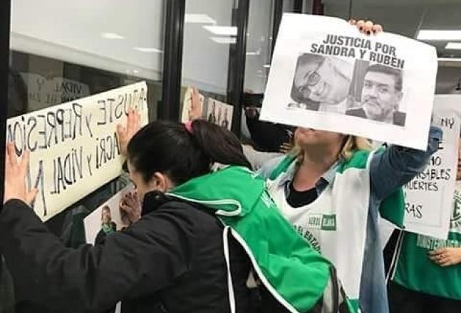 Escracharon al ministro de Educación Gabriel Sánchez Zinny en el INET