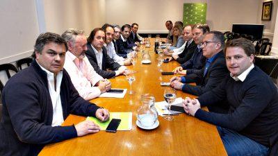 """Funcionarios de Vidal recibieron a intendentes peronistas del Conurbano que exigieron la """"Emergencia Social"""""""