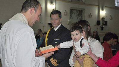 Macri sumó un nuevo ahijado en Olavarría, se llama Jonás y es el séptimo hijo de la familia Duarte