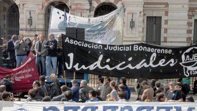 Un fallo que complica a Vidal: La Suprema Corte ordenó pagar a los judiciales de acuerdo a la inflación