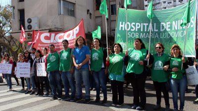 Miles de estatales marcharon al Ministerio de Salud contra el ajuste