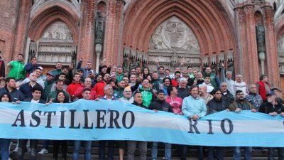 """El Arzobispo de La Plata """"Tucho"""" Fernández llenó la Catedral de trabajadores y apuntó contra el gobierno"""