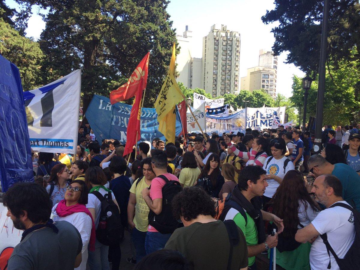 Estudiantes de escuelas técnicas marcharon en La Plata contra el nuevo diseño curricular