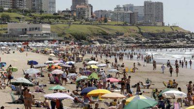 """La feliz se promociona en La Plata con una actividad denominada """"Escapate a Mar del Plata"""""""