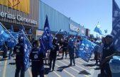 """El Sindicato de Empleados de Comercios de La Plata movilizó a Walmart frente a """"retiros Voluntarios forzados"""""""