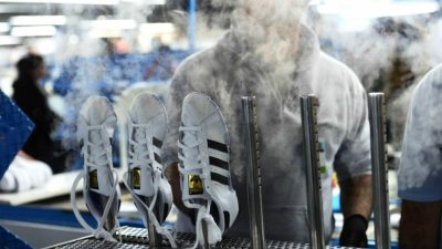 """Inminente cierre de la fábrica de Adidas en Chivilcoy: """"Las esperanzas son muy pocas"""""""