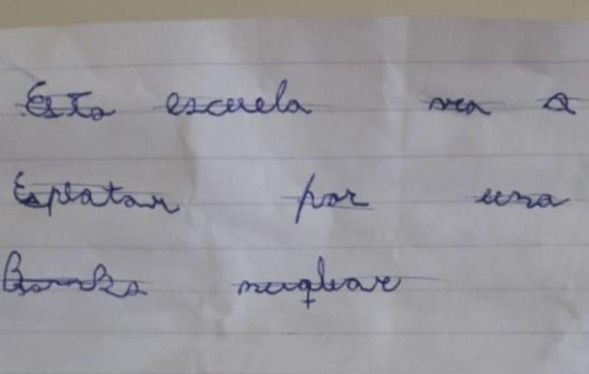 """Insólito / Una carta amenazó con una """"bomba nuqlear"""" y obligó a suspender las clases en tres escuelas y un jardín de Monte Hermoso"""