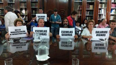 Paritaria docente: Provincia ofreció un bono de 7 mil pesos y 20% para todo el 2019 y los sindicatos rechazaron