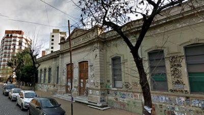 """La Plata / alumnas de 12 años denunciaron  por acoso a un profesor: """"Les acariciaba el pelo y las rozaba en la cola"""""""