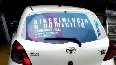 En La Plata se aprobará una ordenanza para que los taxis puedan llevar publicidad en la luneta trasera
