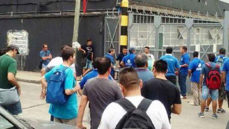 Despedidos de SIAM prolongan medidas de fuerza ante la falta de acuerdo en Trabajo