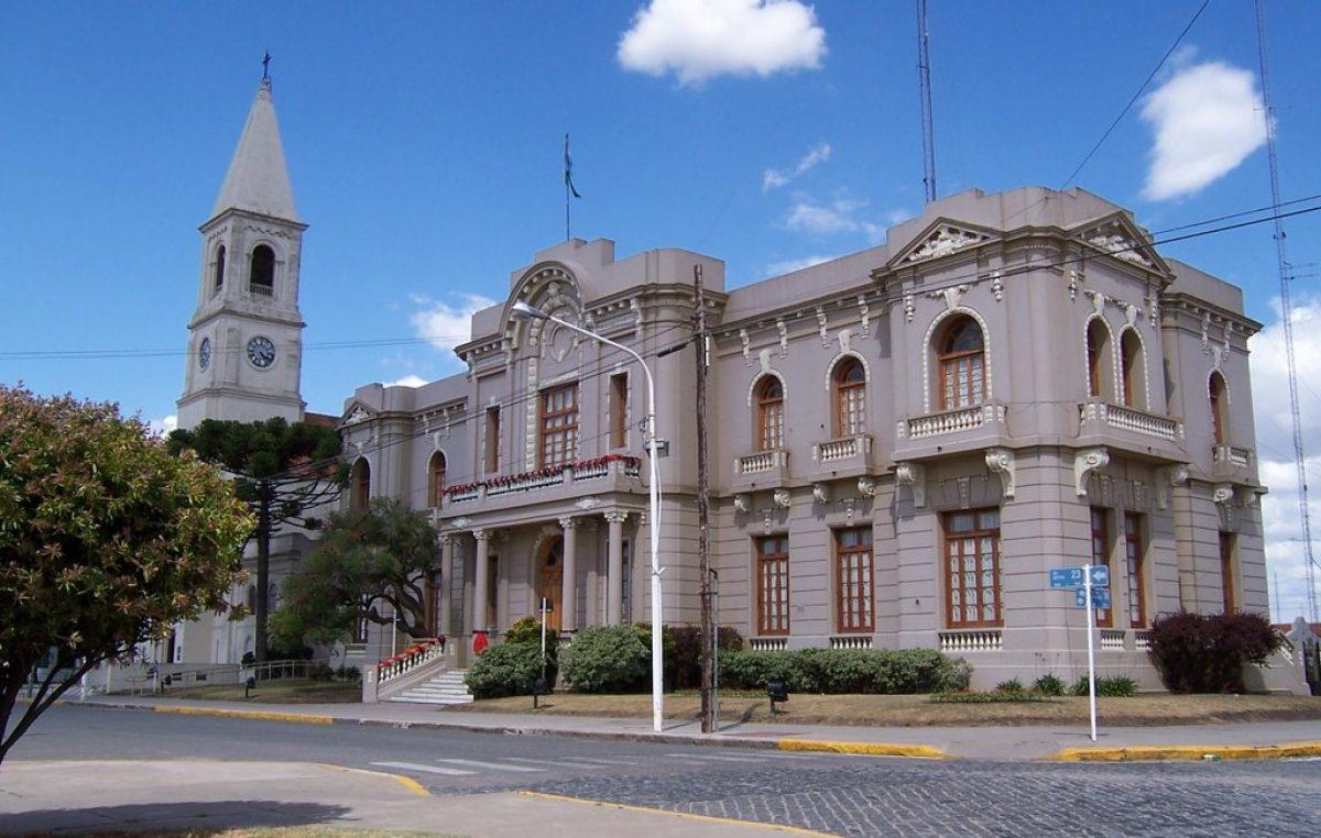 Escándalo en Benito Juárez: acusan a la Provincia de pagar abultados sobreprecios en una pequeña obra para la iglesia local
